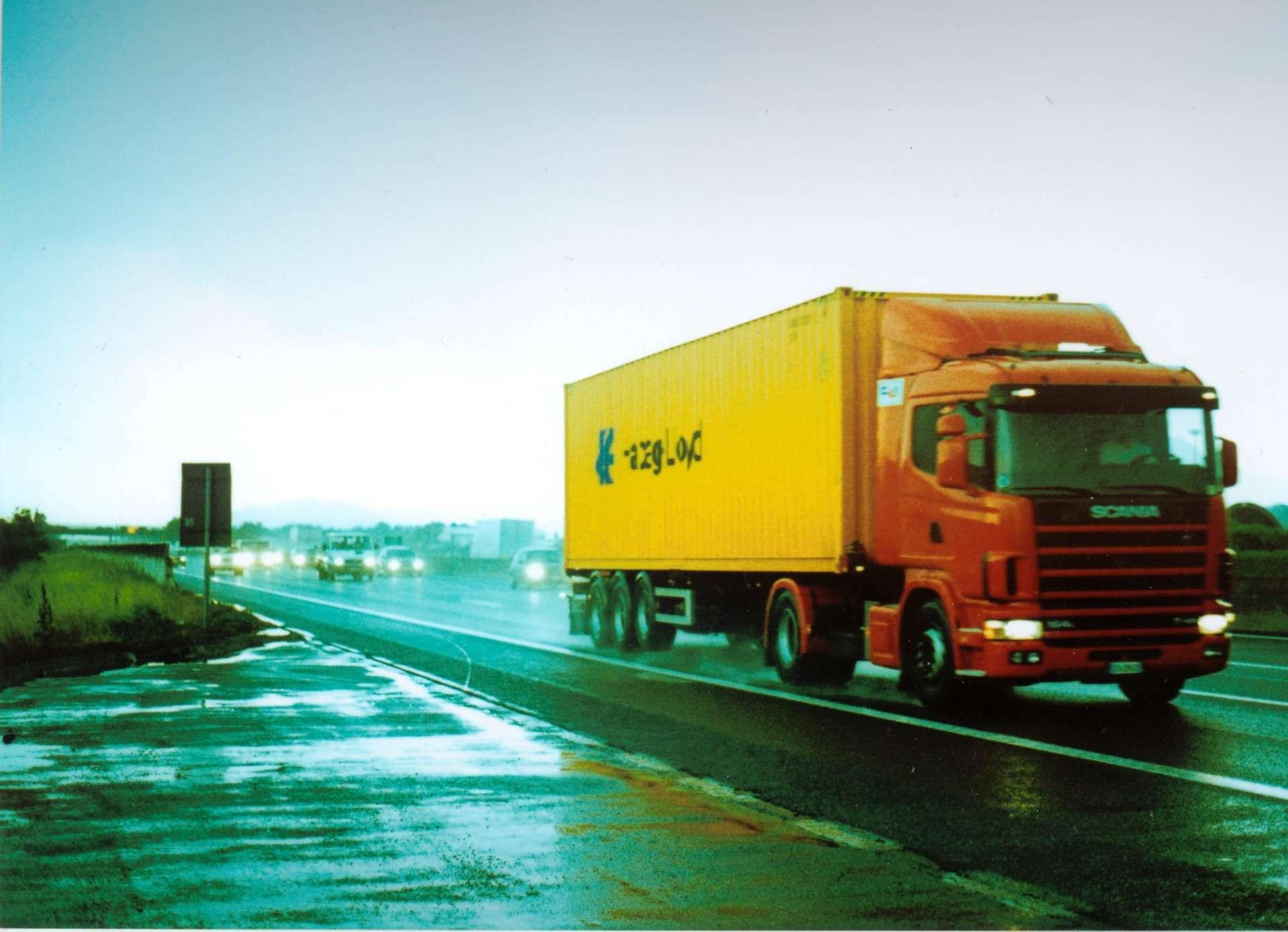 Vrachtwagens van meer dan 3,5 ton krijgen een On Board Unit (OBU)